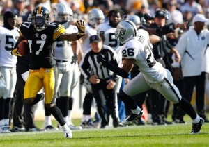Mike Wallace Goes for 6 in a November 21st 35-3 Win Over the Raiders