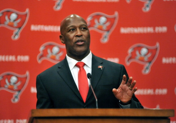 Tampa Bay Buccaneers introduce Lovie Smith