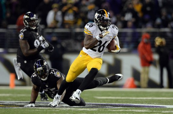 Steelers running back Le'Veon Bell #26 - Photo: Patrick Smith