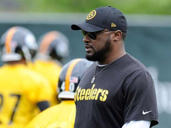 Head coach Mike Tomlin of the Pittsburgh Steelers looks on during rookie minicamp at the Pittsburgh Steelers Training Facility on May 16, 2014 in Pittsburgh, Pennsylvania. (Photo: Joe Sargent/Getty)