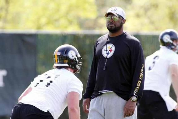 Steelers coach Tomlin using week to look forward, not backward