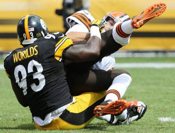 Steelers-vs-Browns-Jason-Worilds-Brian-Hoyer-2014-NFL