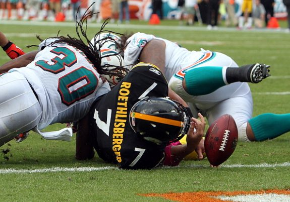 Throwback Thursday: Wild Ruling Helps Steelers Top Dolphins in 2010