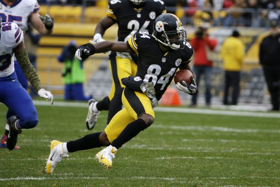 Steelers WR Antonio Brown Wins the Fantasy Player of the Year Award
