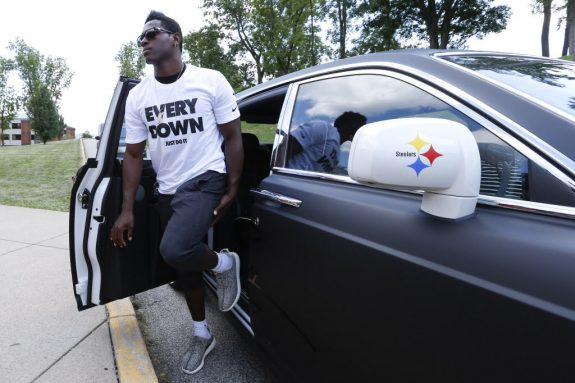 Antonio Brown Stops Any Chatter of a Possible Holdout