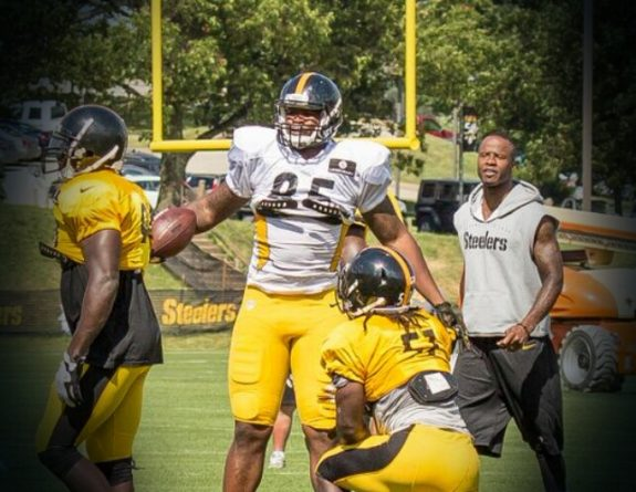 Tight-end-cameron-clear-steelers