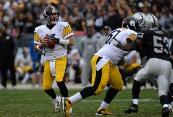 Pittsburgh Steelers v Oakland Raiders