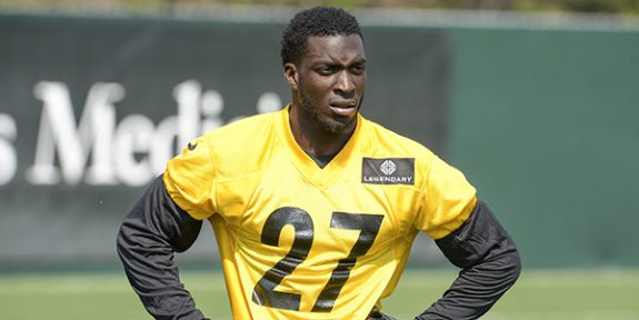 CB Senquez Golson Goes Down With What's Being Called a 'Mid-Foot Injury'